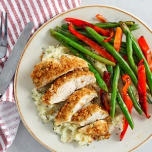 Roasted Garlic Pesto-Crusted Chicken with Rosemary Mashed Potatoes with Vegetables
